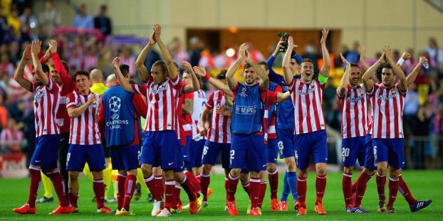 Jugadores del Atlético celebrando con la hinchada | FOTO: Melty