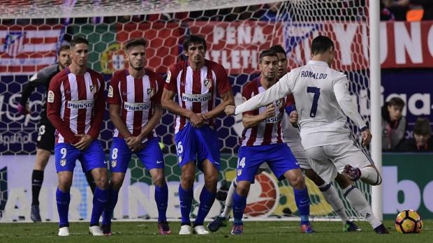cristiano-ronaldo-atletico-real-madrid-la-liga-19112016_b2i5zl4k4bip19wesoi9rerjx
